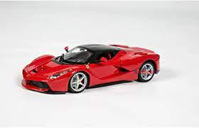 Amazon Com Bburago Ferrari Race And Play Laferrari 1 24 Scale Diecast Model Vehicle Red Toys Games