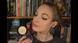 rozświetlacz make up revolution golden lights recenzja i rozmyślania o mur