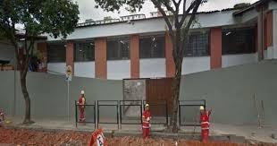 Risco geológico leva à interdição da Escola Municipal Carlos Góis em BH