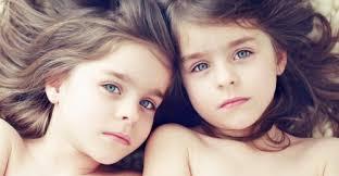 Résultats de recherche d'images pour «jumelle bébé»