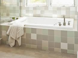 Alcove Bathtub: Old Favorite
