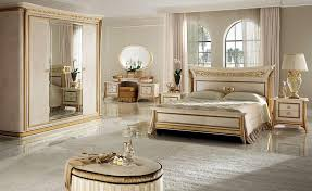 Camera da letto classica di lusso, per ville e hotel | IDFdesign