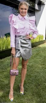 Formula 1 Grand Prix Elyse Knowles rocks futuristic look Daily.