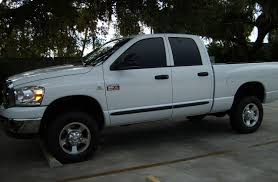 2007 Dodge Ram 2500 slt 1/4 mile Drag Racing timeslip specs 0-60 ...