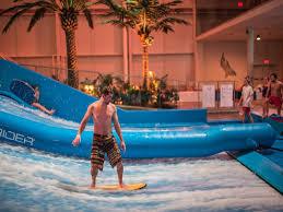 indoor pool with waterslide. Bora Park - Indoor Waterpark Saint-Gabriel-de-Valcartier | Water Parks Québec City And Area QuébecOriginal Pool With Waterslide