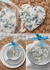all natural diy herb soaps as wedding favors weddingomania