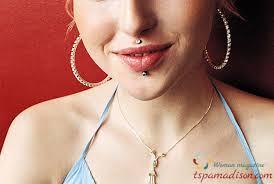 Leitfaden Für Philtrum Medusa Piercings Der Weiblichen Schönheit