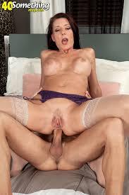 Mature woman anal sex photo