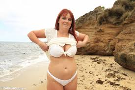 Busty Mom Naked At The Beach Girls Out West Free Stuff