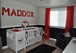 red-white-and-black-nursery-ideas Like this room