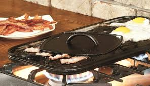cleaning is very easy and there are no complaints about this griddle rusting as with all cast iron griddles they will rust if you don t take care of them