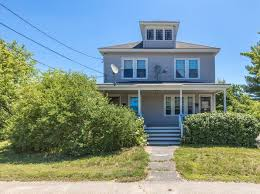 Find duplex for sale today! Biddeford Me Duplex Triplex Homes For Sale 9 Homes Zillow