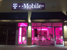 breaking smash and grab men use a vehicle to ram t mobile front on miami gardens dr cell phones and other merchandise stolen cbsmiami