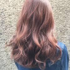 ピンクベージュ ブリーチはしてませんが元の髪色がかなり明るいです
