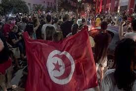 حملة عربية على تويترتكشف دور الإمارات في انقلاب تونس - AlmghribAlarabi