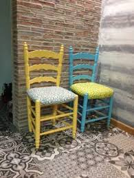 Silla isabelina pintada con chalk paint y cera clara, tapizada con tela de  ikea  home sweet home  Pinterest  Pretty bedroom, Country houses and  Ideas