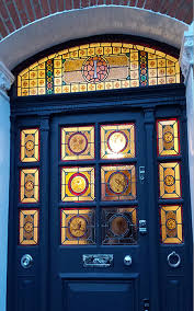classic frontdoor stained glass design in clapham