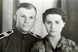 His mother, anna timofeevna and father, alexei ivanovich, were ordinary laborers from rural villages klushino gzhatsk district. Yuri Gagarin Biography Space First Flight Height Photo Cause Of Death