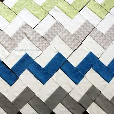 DreamPatch: Great cheveron type pattern from Crazy Mom Quilts ... & Easy Chevron quilt - with squares, instead of triangles. Adamdwight.com