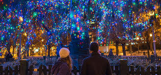 Downtown Milwaukee Christmas Lights Christmas In Chicago Best Things To Do Holiday Markets