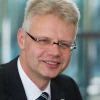 Chris Landis – Head IT – SIX Group AG   LinkedIn