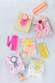 633 Best It S A Wrap Images On Pinterest Gift Wrapping