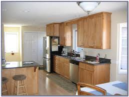 wall color for kitchen with maple cabinets painting home