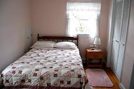 Queen size bed in small room Decorating Full Size Bed For Small Room Lawhornestoragecom Full Size Bed For Small Room Lawhornestoragecom