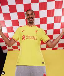 FC Liverpool: Fans spotten über neues Trikot! Das sieht ja aus wie … -  Fussball - Bild.de
