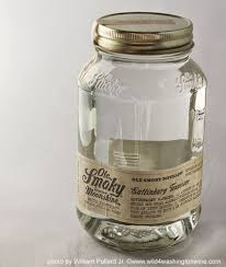 Spirit Review Ole Smokey Tennessee Moonshine White Lightnin.