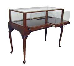 queen anne display case with pull out deck