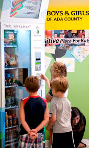 How To Buy From A Vending Machine Best Vending Machines Vending Machines In Pr