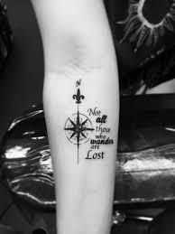 Tattoo Unterarm Frau Kompass Spruch Männer Tattoo Ideen Motive