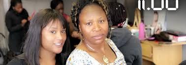 Un Salon De Coiffure De Tresses Africaines La Réussite D