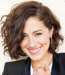everyday hairstyles for short wavy hair winter haircuts