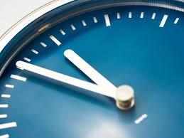 休みや働く時間はどれくらい?】