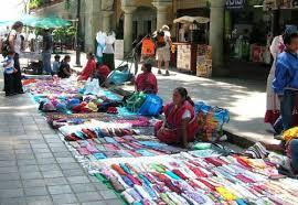 Vínculos con la pobreza, el crecimiento y las crisis | Mujeres en Empleo Informal: Globalizando y Organizando