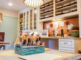 How to Build an Organized Yet Comfy Craft Room