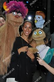Leona Lewis Meets Puppets Puppeteers Avenue Q」のエディトリアルストック写真 - ストック画像 |  Shutterstock