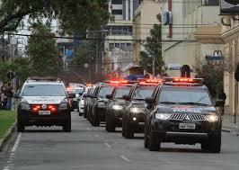 Resultado de imagem para CARREATA DE POLICIAIS
