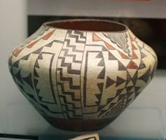 Past Gallery Exhibit Pottery Of The Americas Rosenberg Library