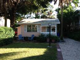 Small Picture Tiny Pink Cottage in Florida