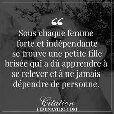 Sous Chaque Femme Forte Citation Phrase Citation Citation