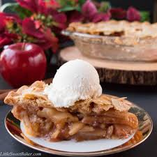 apple pie. easy homemade apple pie. a foolproof flaky pie crust along with simple 4 ingredient apple