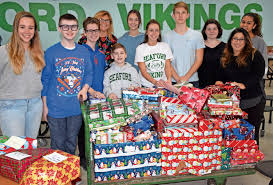 seaford high student council members collected and wrapped more than 1 000 toys to benefit several