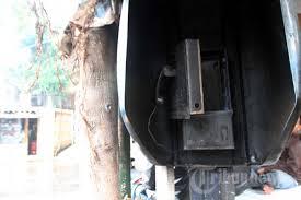 Image result for gambar fasilitas umum rusak