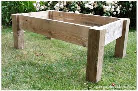 diy-pallet-wood-table-2-at-the36thavenue.com-