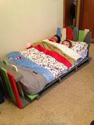 pallet furniture plans bedroom furniture ideas diy. best 25 kids pallet bed ideas on pinterest reading tent gardening set and toddler furniture plans bedroom diy o