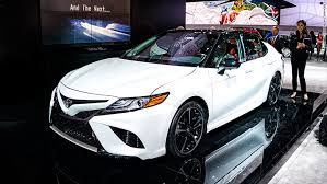2018 toyota white camry. fine 2018 2018 toyota camry detroit auto show intended white