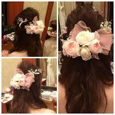 カラードレスヘアスタイルピンクのリボンは持ち込みのバレッタサイド